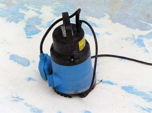 Submersible Pump (hire or buy $250.00 ) Will empty a pool in about 8 – 10 hours 50,000 Litres.